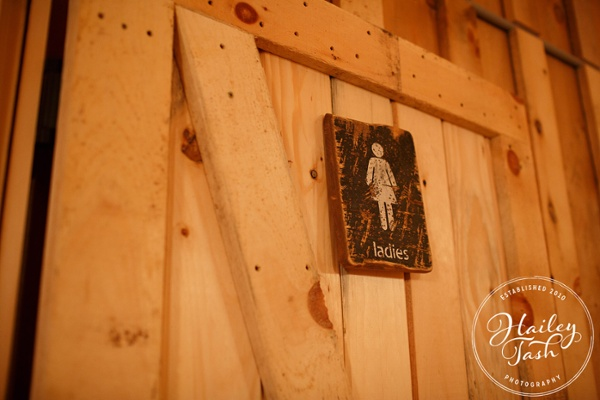Maine Barn Wedding venue with Bathrooms